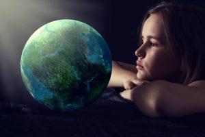 отношение человека к окружающему миру