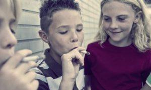 как уберечь ребенка от курения